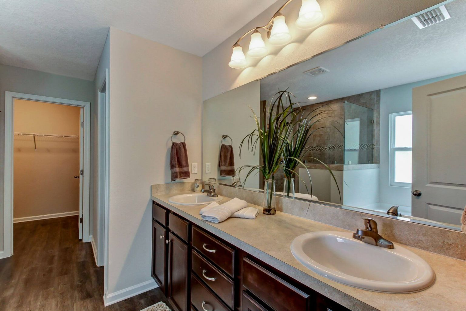 bathroom with two sinks